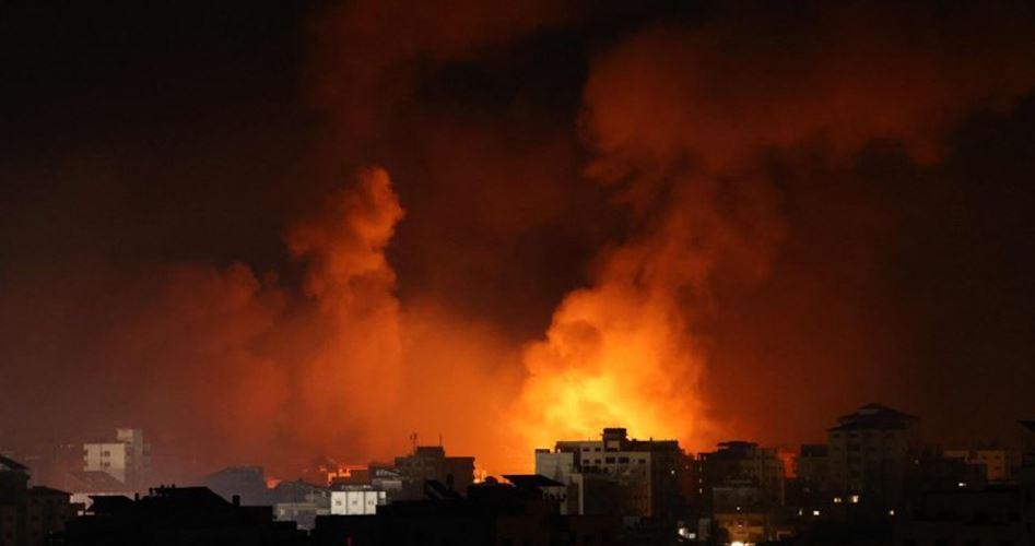 TERÖRİST İSRAİL ORDUSU SAVAŞ UÇAKLARI GAZZE'DE BAZI HEDEFLERİ BOMBALADI